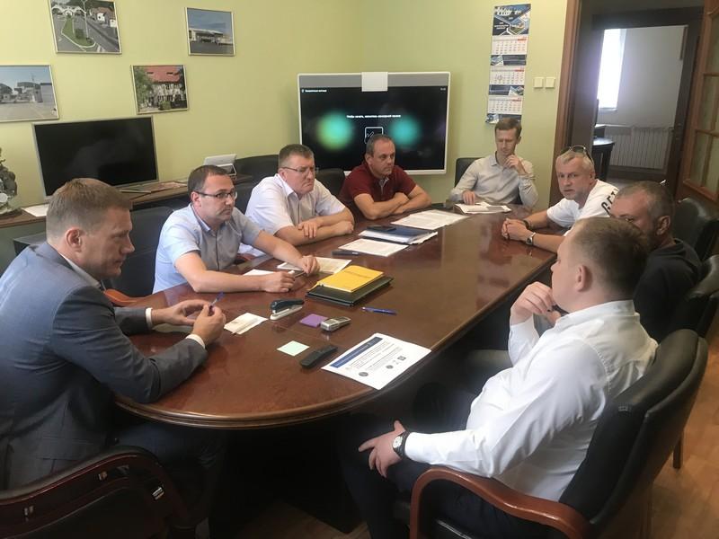 Закарпатські митники зустрілися із представниками власників «євроблях»