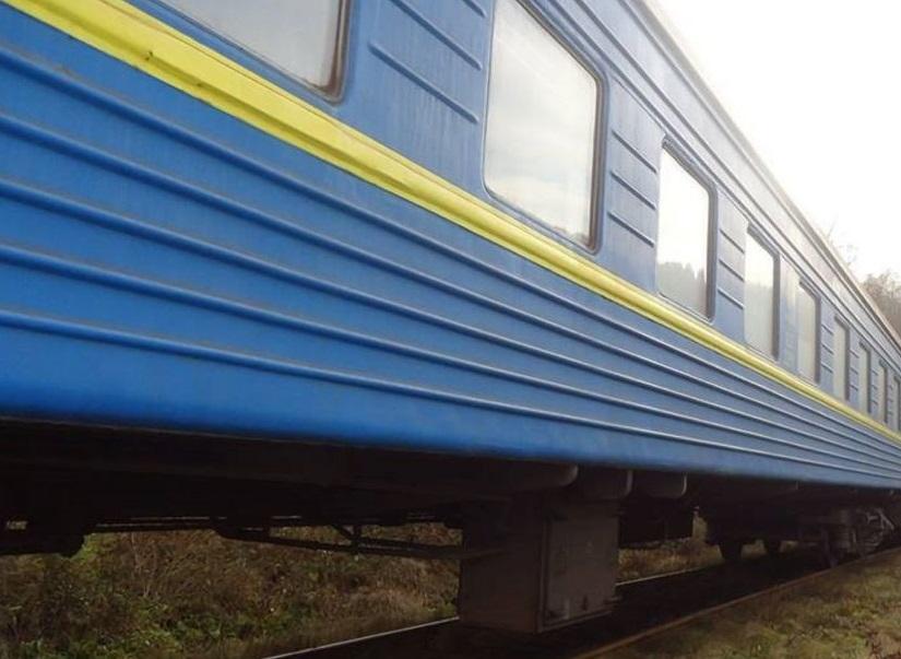 """У потязі """"Рахів–Київ"""" раптово помер чоловік"""