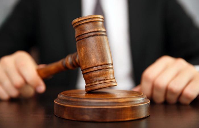 На Закарпатті судитимуть чоловіка, який напав на бармена