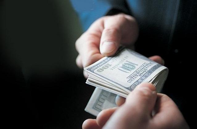 У Зеленського пропонують платити людям за повідомлення про корупцію