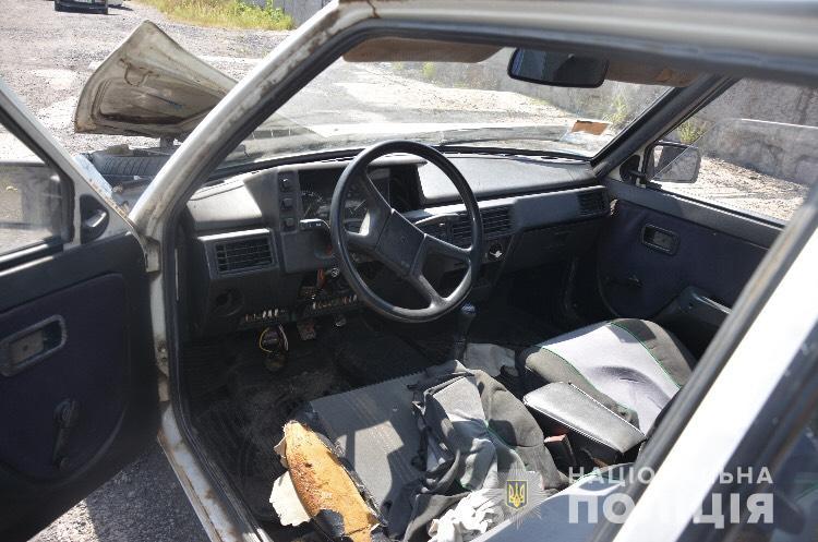 Подробиці викрадення автомобіля, фігурантами якого є четверо підлітків