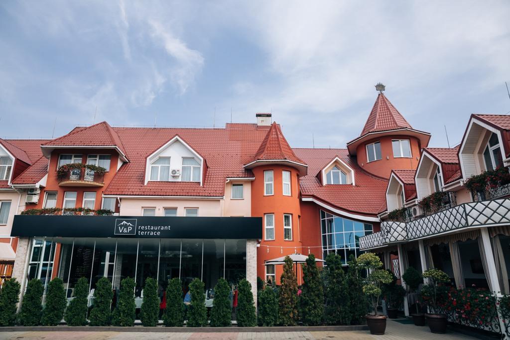 Готельно-ресторанний комплекс V&P (VIP), Хуст
