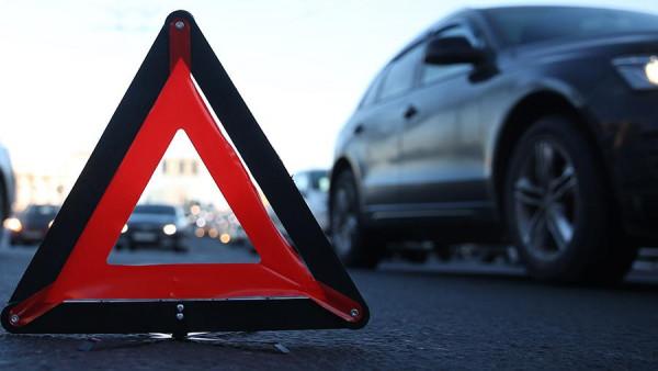Вщент розтрощений автомобіль: на Закарпатті трапилась ДТП, — ЗМІ