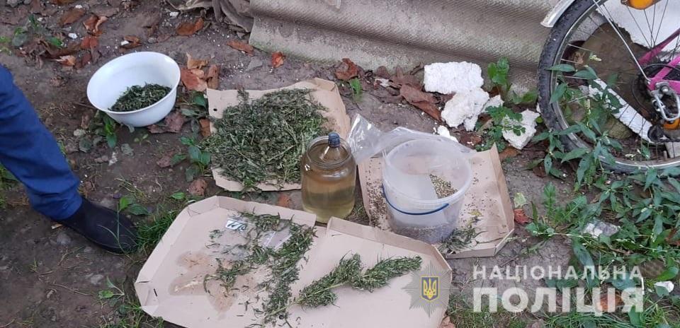 Під час обшуку в жительки Сваляви виявили 100 грам марихуани