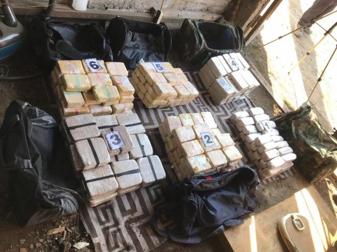 Група осіб намагалась переправити через кордон наркотиків на 10 мільйонів доларів