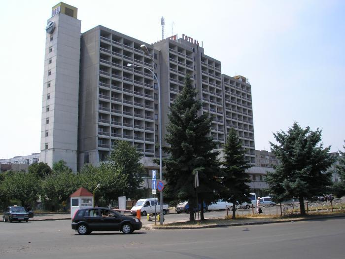 """самогубство, готель """"Закарпаття"""", Ужгород, викинувся з вікна, 9 поверх, Закарпаття"""