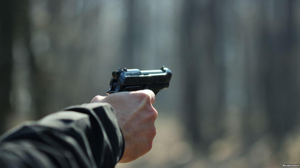 В Мукачеві сталася збройна сутичка