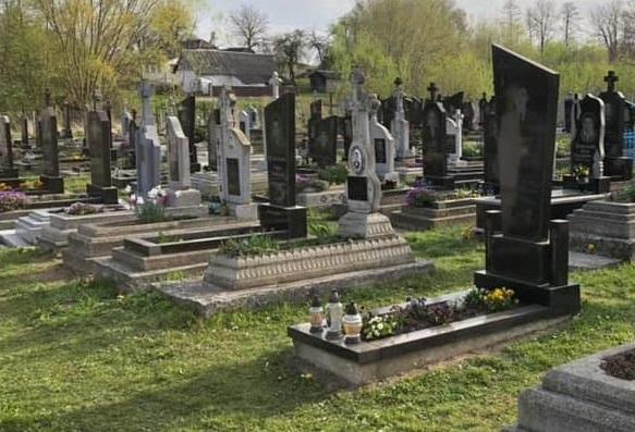 Закарпатці обурені вандалізмом, який скоїли на Мукачівщині