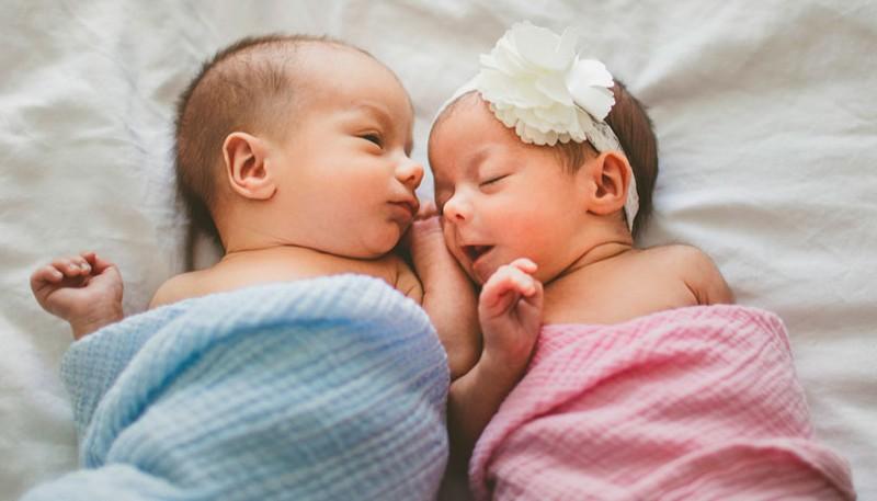 У Мукачеві сьомий тиждень поспіль народжуються двійнята