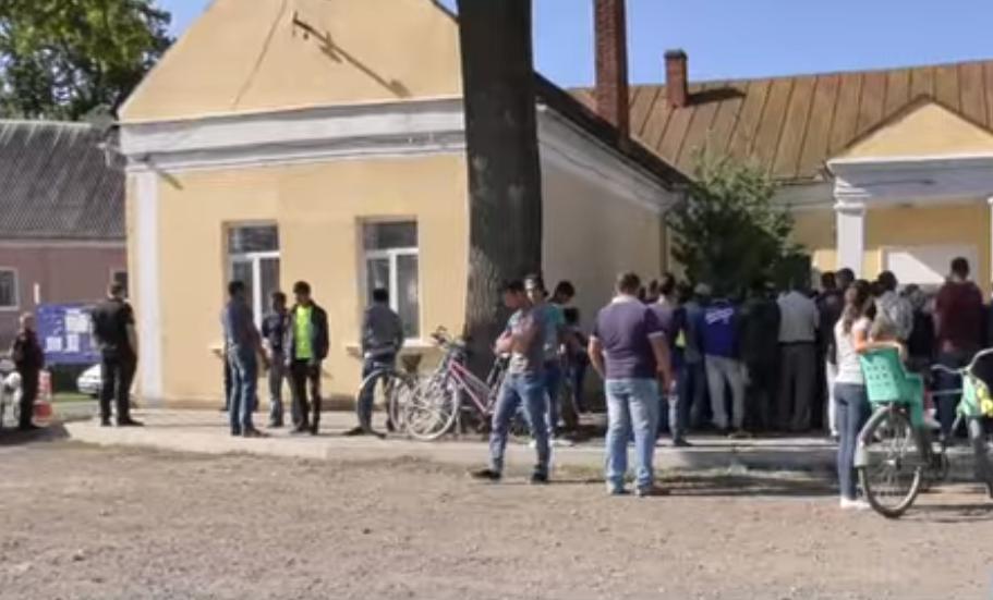 Жителі Ракошина повстали проти ромів із сусіднього села через постійні крадіжки та погрози останніх