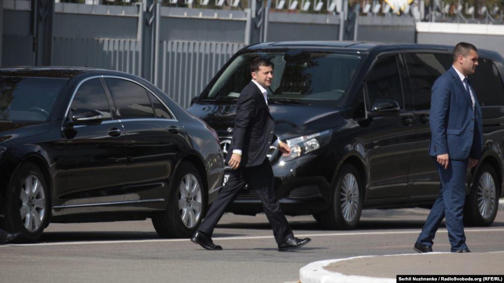 """Зеленський прибув до """"Борисполя"""": пряме включення з аеропорту"""