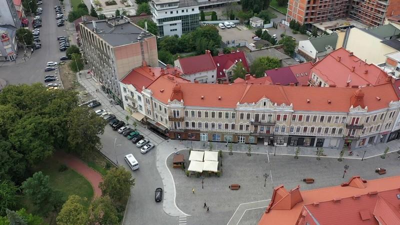 В Ужгороді на кілька днів перекриють рух на площі Шандора Петефі