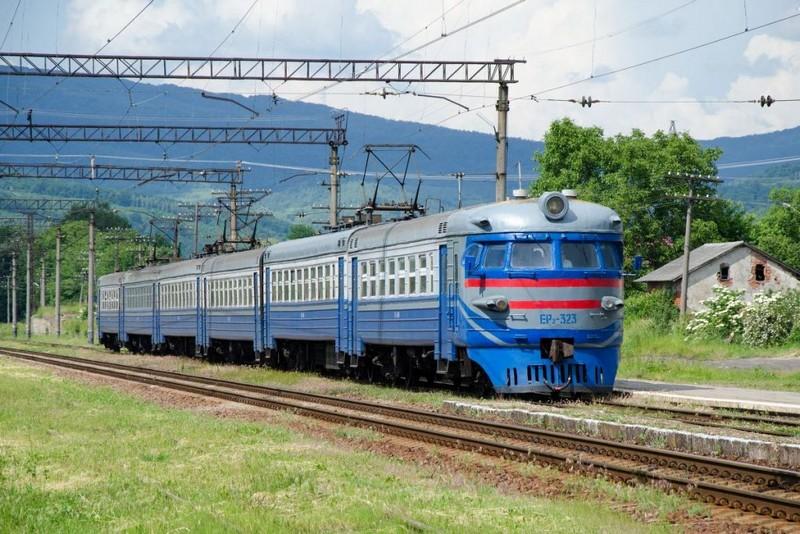 Щонеділі курсуватиме швидкісний приміський поїзд сполученням Львів – Мукачево – Львів