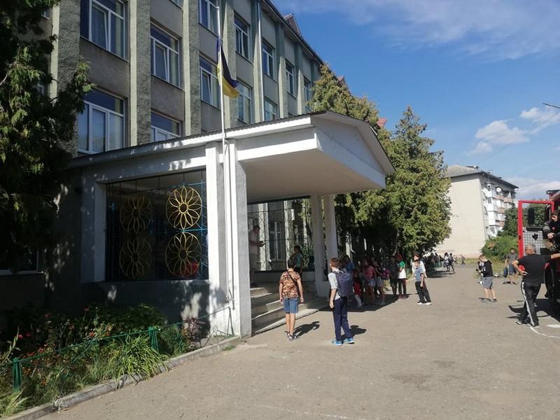 У Мукачеві прийнято рішення посилити рівень безпеки в навчальних закладах міста