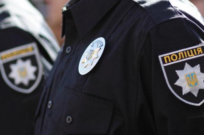 Чоловік вистрибнув із 4 поверху після катування правоохоронцями: у поліції розпочали службове розслідування