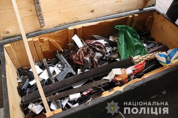 Закарпатська поліція знищувала вилучену нелегальну зброю