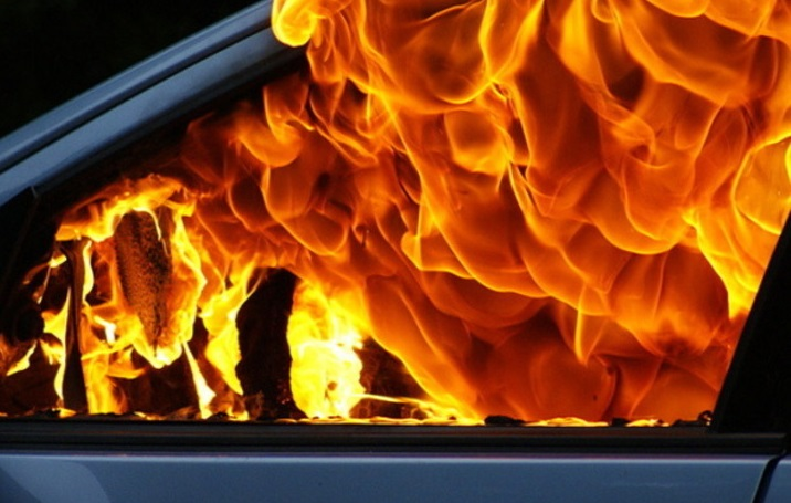 На Свалявщині згорів вщент автомобіль