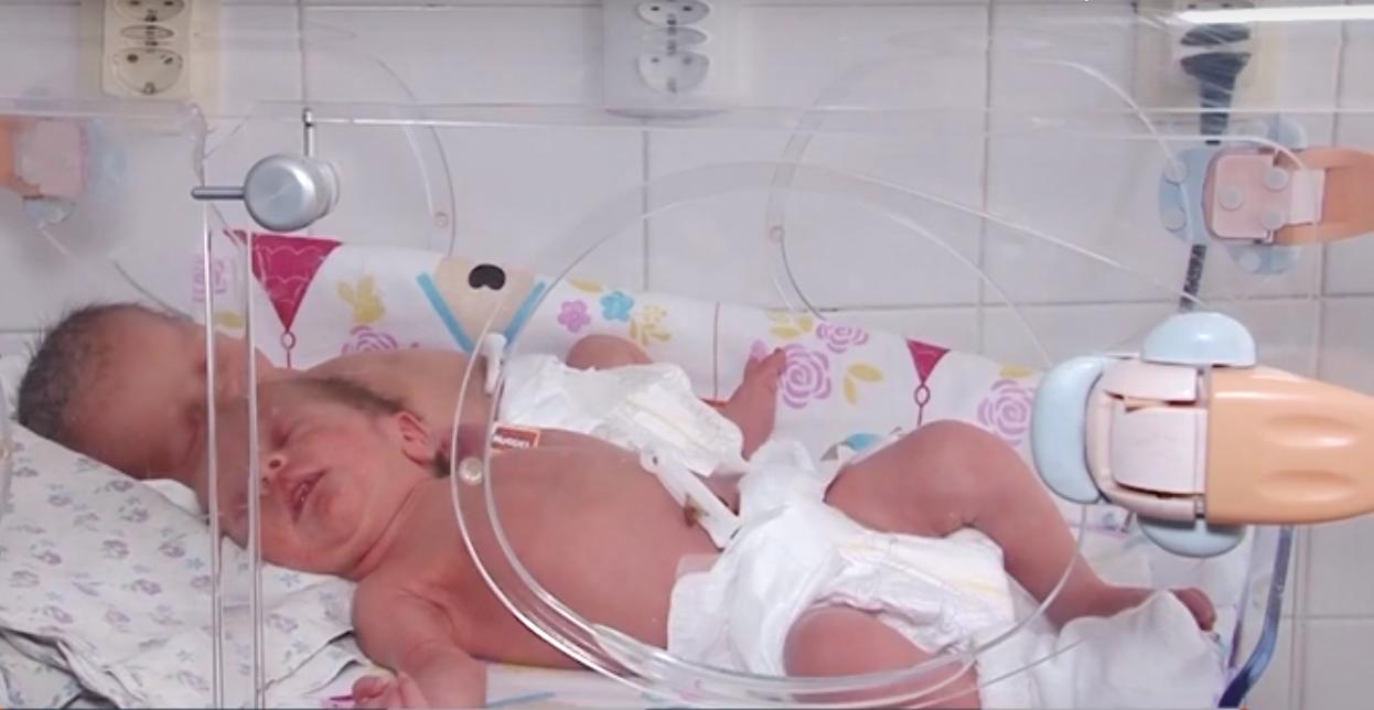 Раннє материнство: що про це думають закарпатці