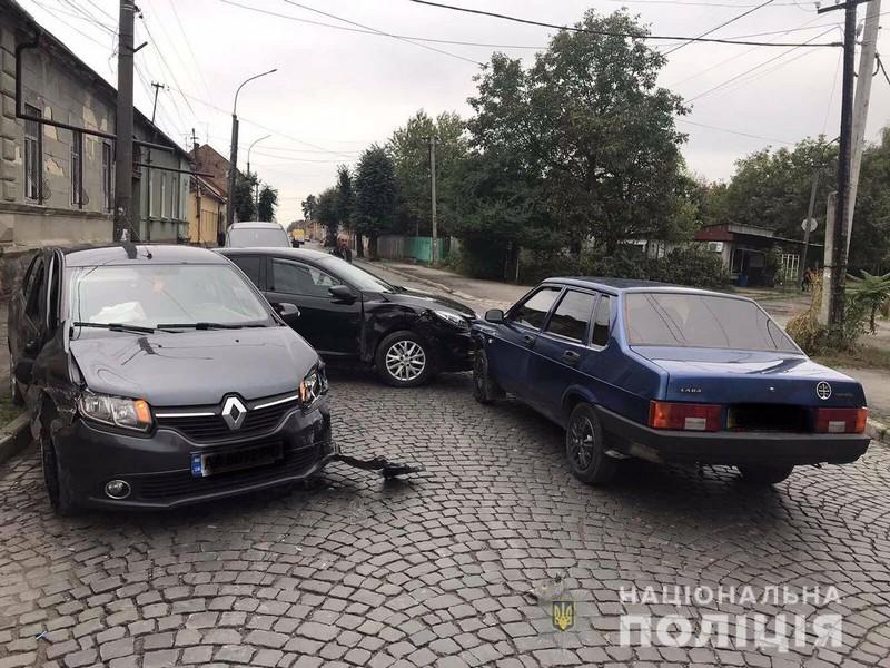 Потрійна ДТП у Мукачеві: постраждав хлопчик