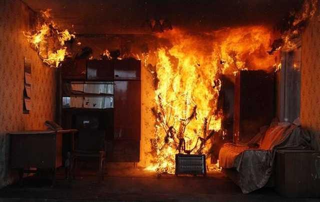 В Ужгороді спалахнула пожежа в житловому будинку