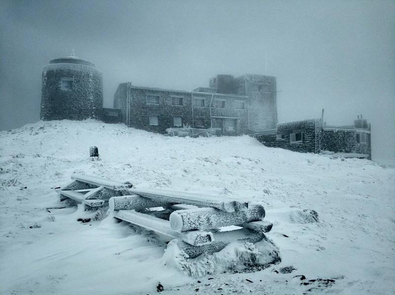 Мороз та сніг: на горі Піп Іван панує справжня зима