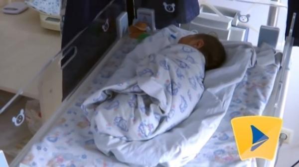 12-річна закарпатка, яка народила, відмовилась від дитини і покинула її у пологовому