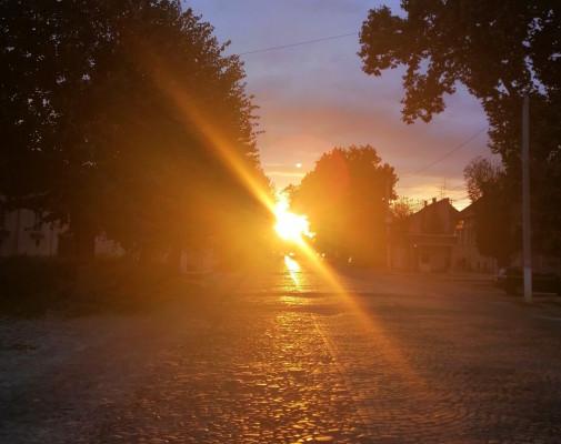 Неймовірний захід сонця підкорив мукачівців