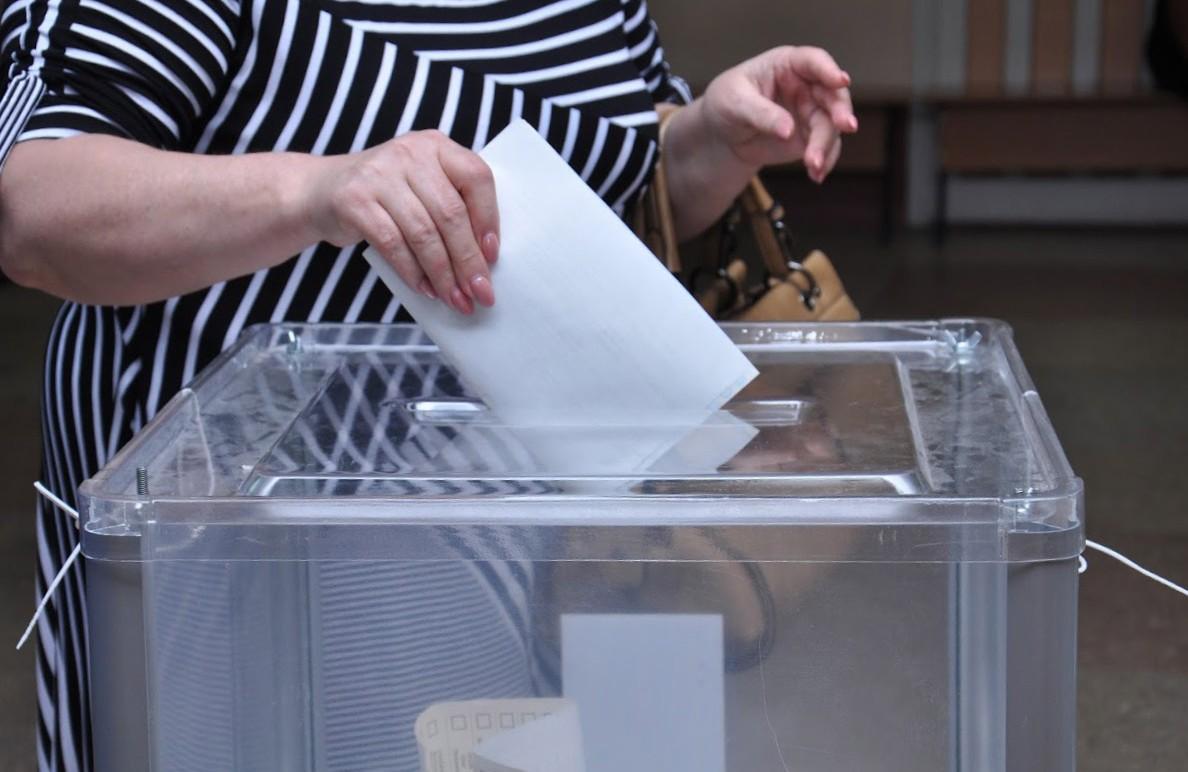 На Закарпатті ще в цьому році будуть одні вибори: відомо коли та в яких ОТГ