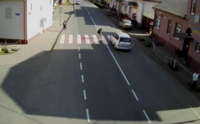 Водій на шаленій швидкості ледь не збив школяра на пішохідному переході: оприлюднено відео