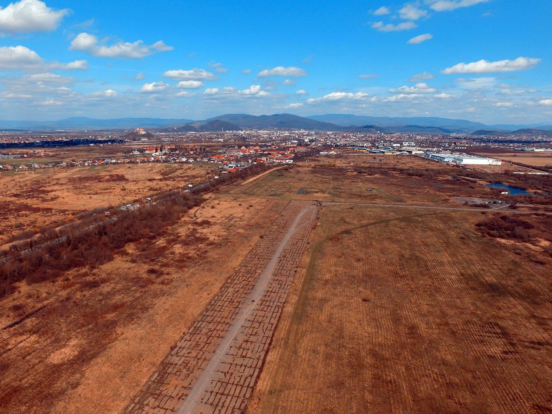 Стало відоме рішення Верховного Суду стосовно земельної ділянки аеропорту Мукачева