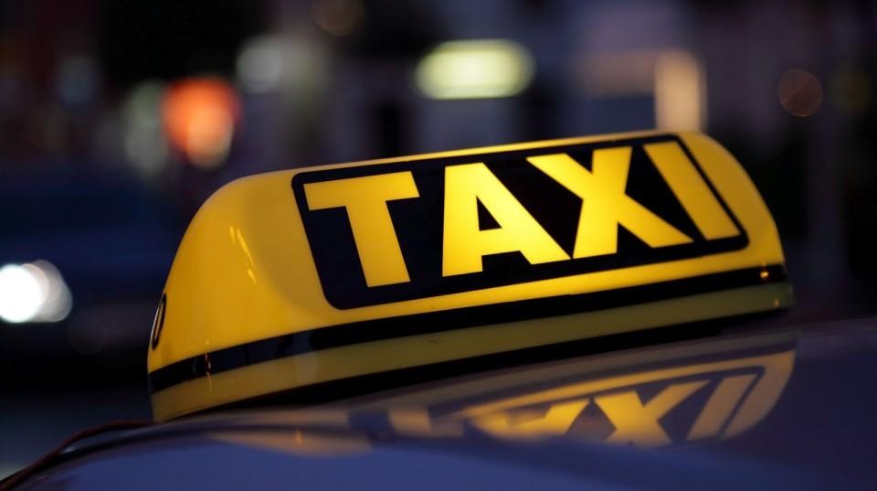 Влада пропонує обкласти всіх водіїв таксі податком