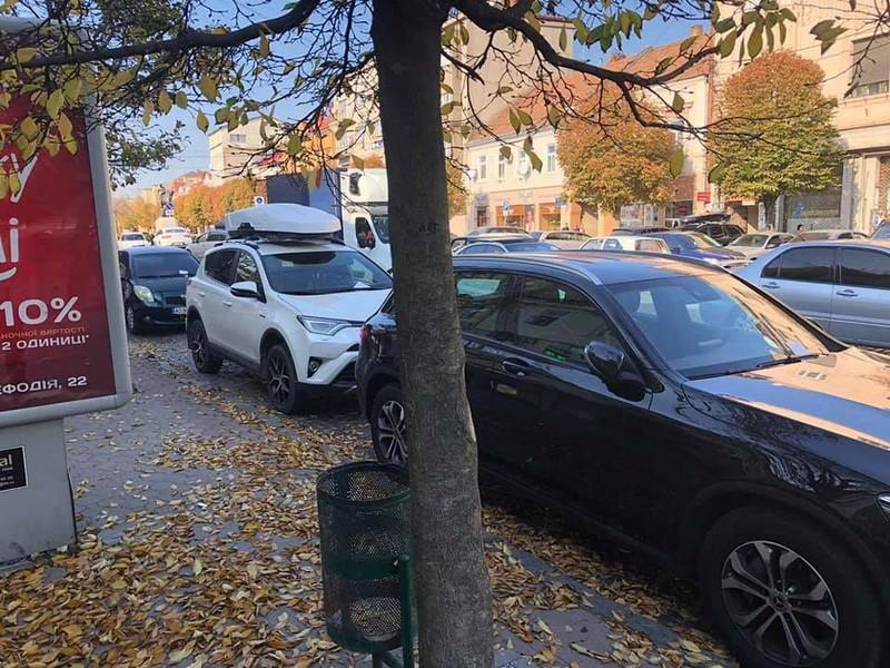 У Мукачеві водій впродовж дня отримав три штрафи