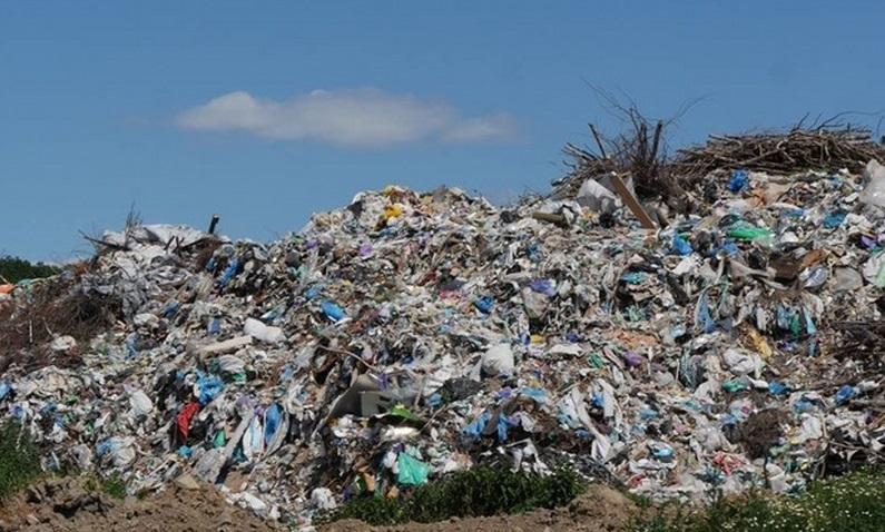 У Мукачеві придбають бульдозер для упорядкування міського сміттєзвалища