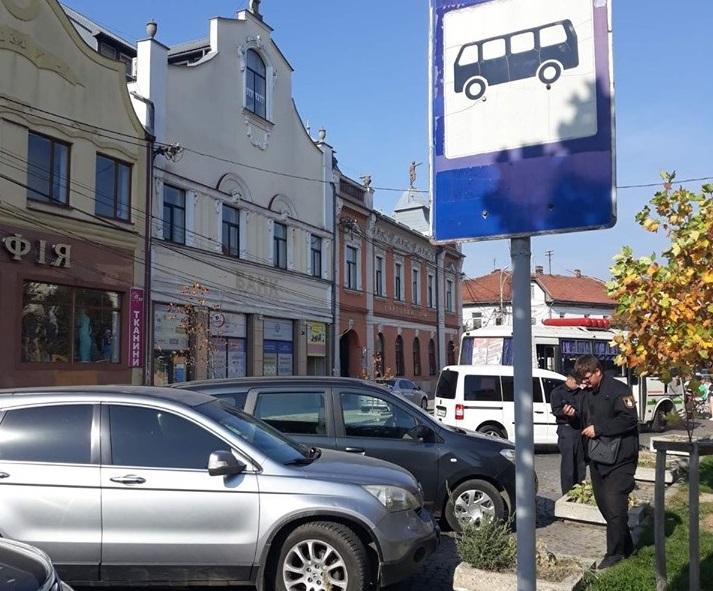 У Мукачеві все частіше порушують правила паркування