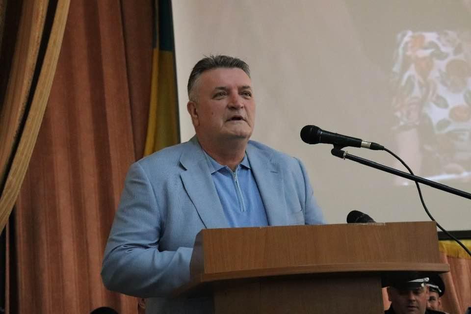 Екс-очільник УМВС Закарпаття здивував своєю реакцією на виступ Ренати Штіфель