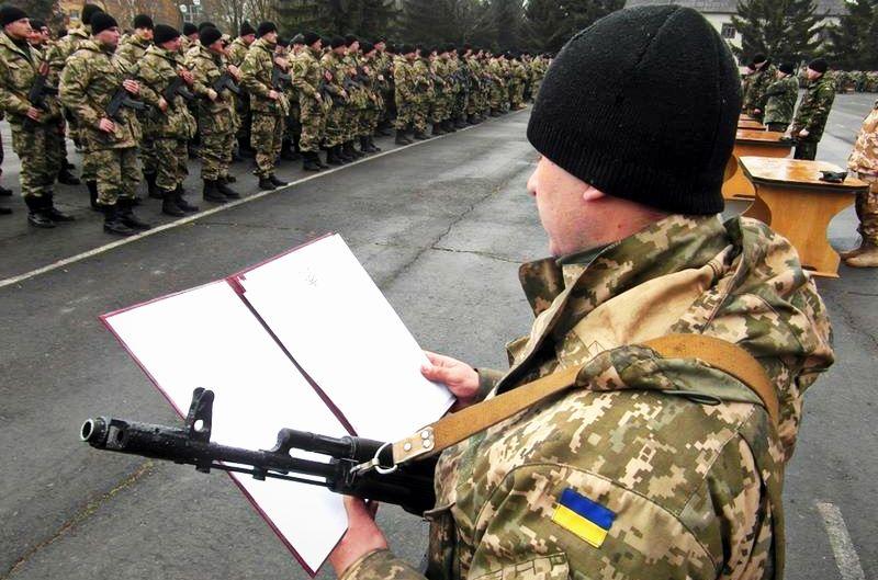 В Україні хочуть повернути призов в армію з 18 років