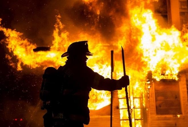 На Воловеччині рано-вранці спалахнула пожежа