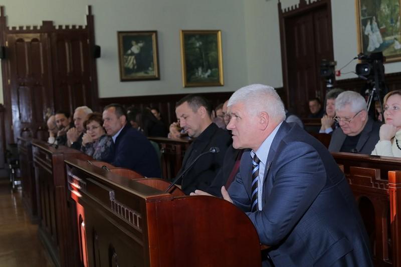 У Мукачеві затвердили нових присяжних