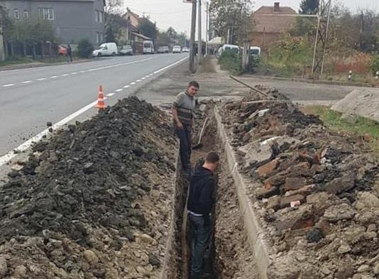 У Мукачеві будують каналізаційні мережі