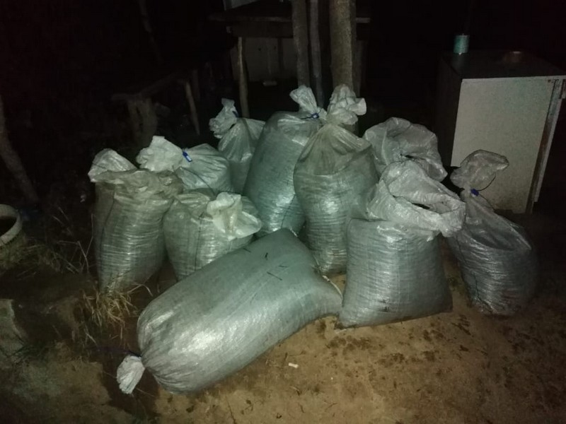 Через кордон намагались перевезти 270 кг бурштину