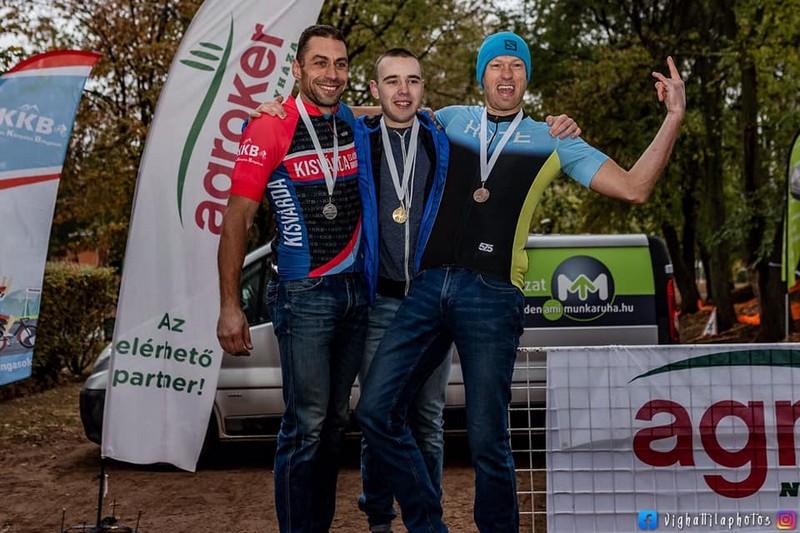 Велоспортсмен із Мукачева переміг на змаганнях в Угорщині та Румунії