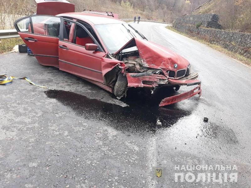 Поліцейські розповіли про аварію, яка трапилась на дорозі Мукачево-Рогатин
