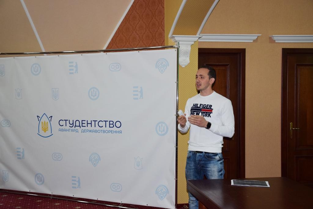 Головред PMG.ua на Всеукраїнському форумі розповів про роботу громадських активістів зі ЗМІ