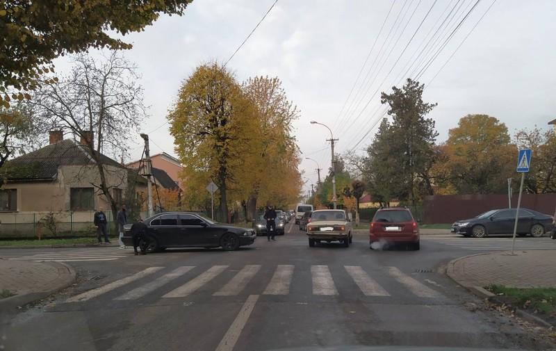Вранці в Ужгороді зіткнулись автомобілі