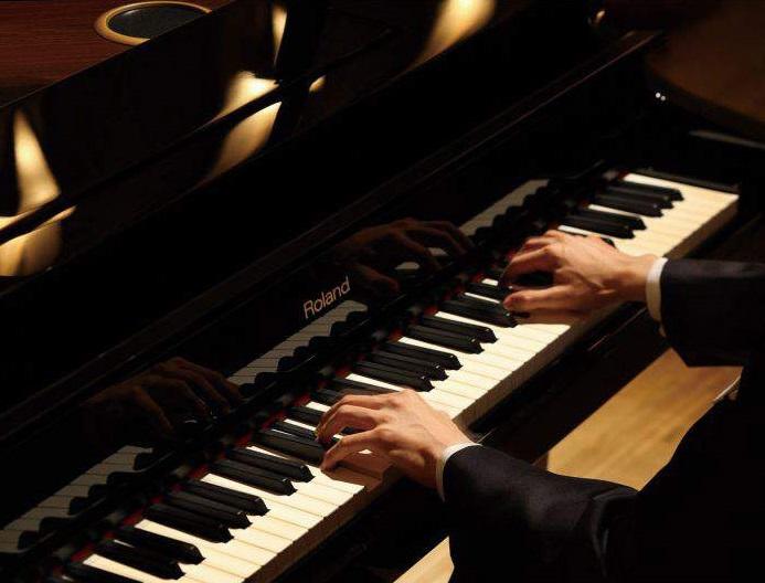 Закарпатців запрошують на концерт одного із найдивовижніших піаністів сучасності