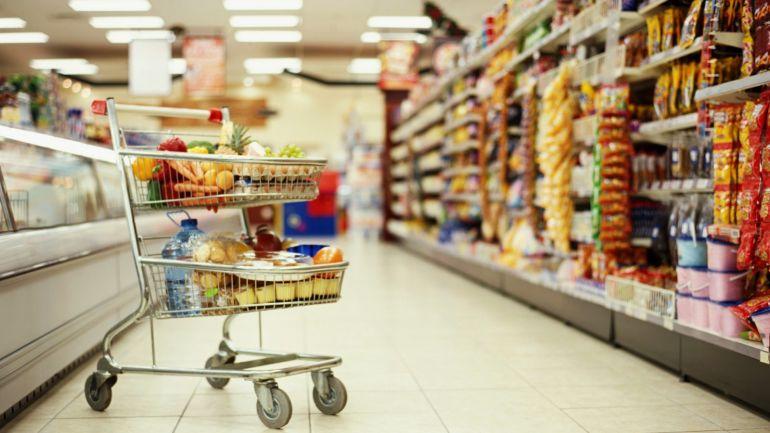 Дивна витівка: мережею шириться відео, яке зняли в супермаркеті Гранд у Виноградові