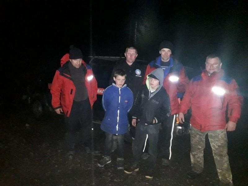 Рятувальники розповіли про пошук двох хлопчиків