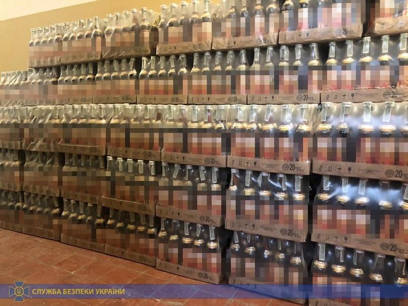 На Закарпатті виявили 10 тонн фальсифікованого алкоголю