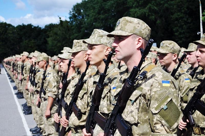 В Україні можуть скасувати строкову службу