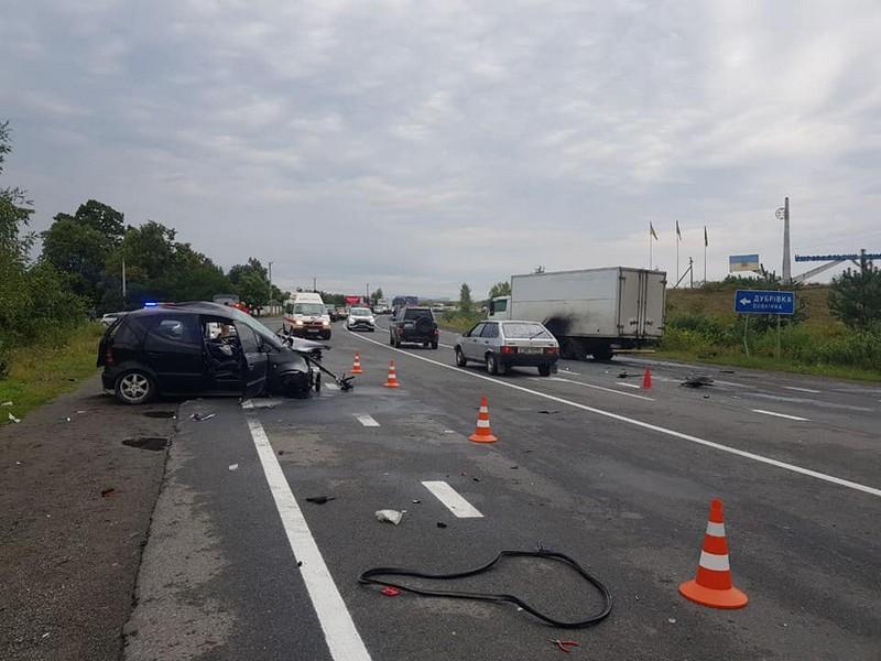 Прикордонник скоїв страшну ДТП на межі Мукачівського й Ужгородського районів. Загинув хлопець